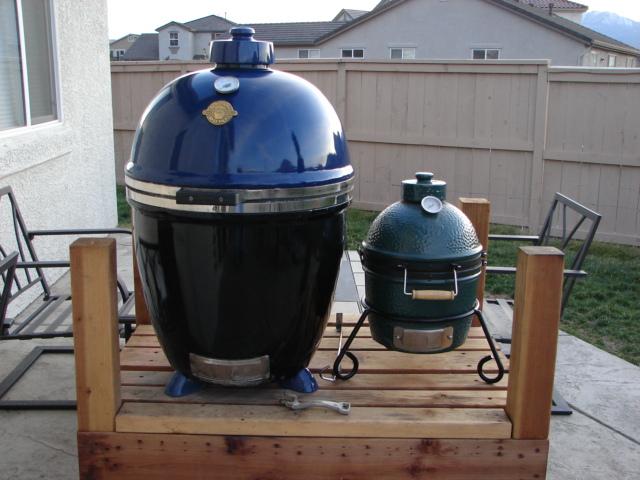 big green egg vs monolith backburner grill nachr sten. Black Bedroom Furniture Sets. Home Design Ideas
